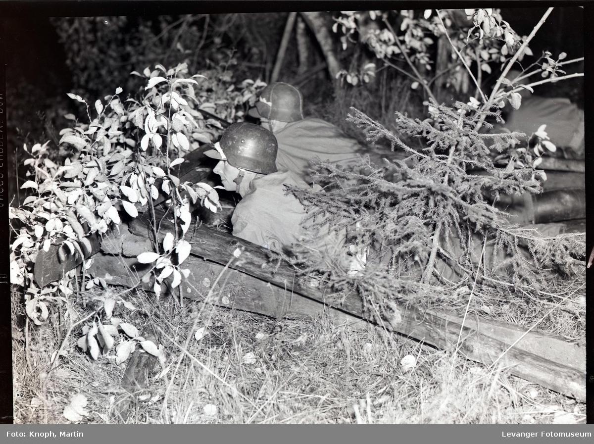 Militær øvelse med hæren og heimevernet, nattmanøver.