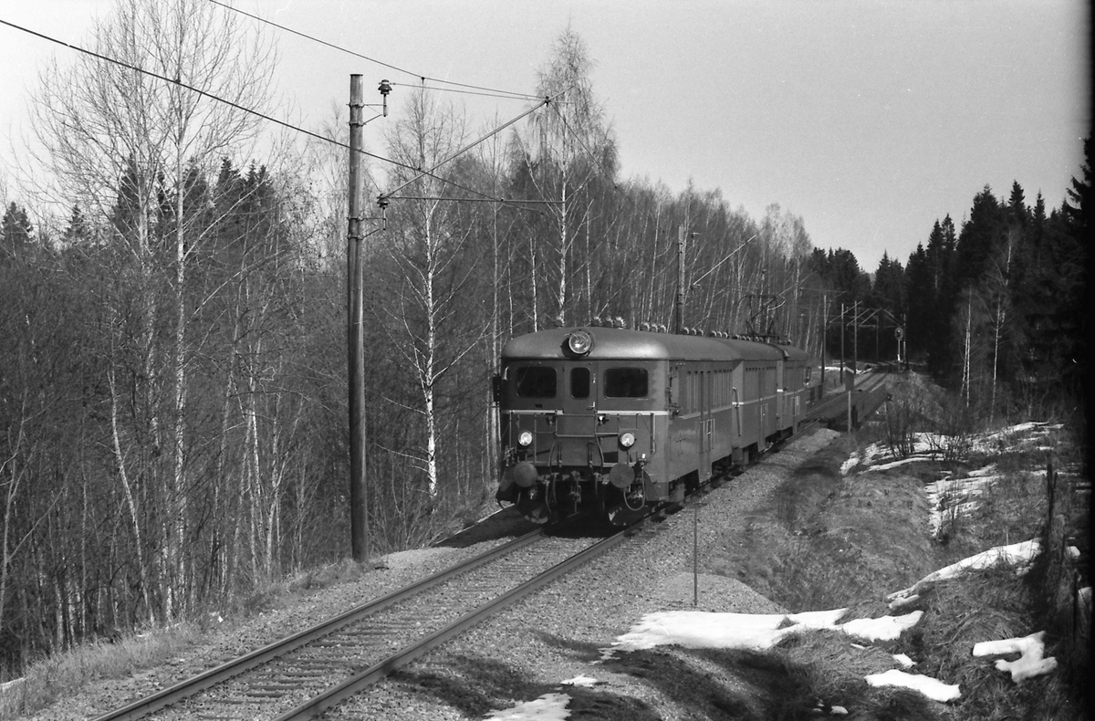 Motorvognsett type 67 mellom Blaker og Sørumsand.