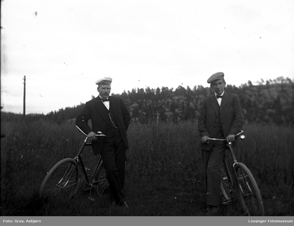 To menn med sykkel
