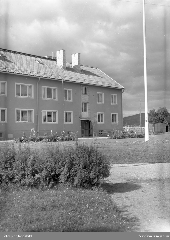 Exteriörbilder av flerfamiljshus i Lucksta, Matfors.