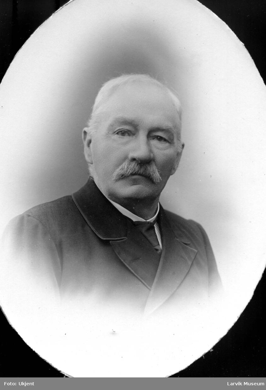 portrett, mann, kaptein S. Olsen