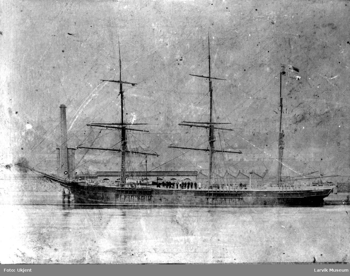 Fartøy, seilskip, barken Bergslien av Larvik.