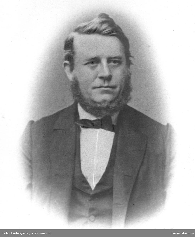 Portrett av Nils Magnus Bugge