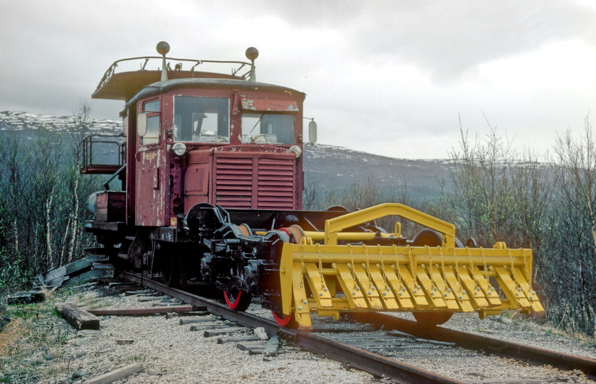Tunnelrenskebukk litra Rm. Tidligere smalsporet motorvogn type Cmb 1.