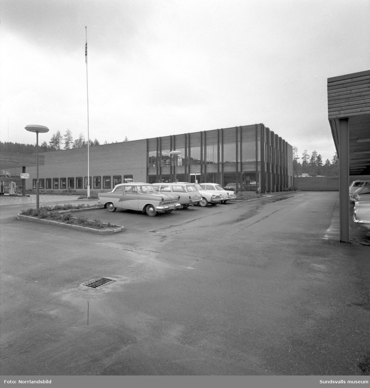 Jonnie Dahlströms bilfirma Kuben bil på Skönsmon. Exteriörbilder.
