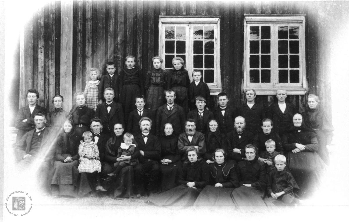 Gravferda til Knud Bentsen Mjåland.