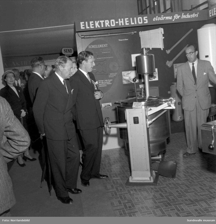 Elektro Helios hushållsmaskiner, utställning i GA-skolans gymnastiksal.