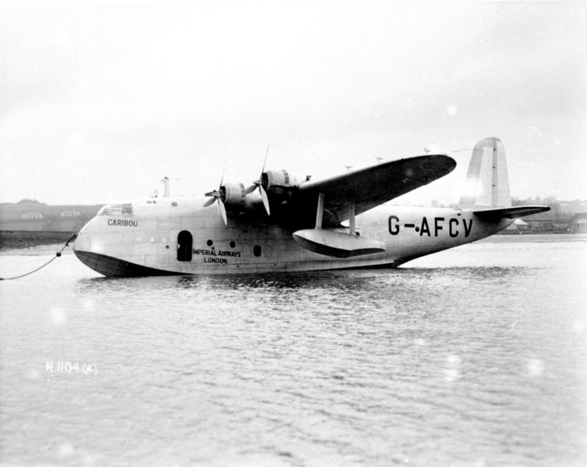 "Flybåt, propellfly, Short S.30 Empire ""Caribou"" G-AFCV. i bøye."
