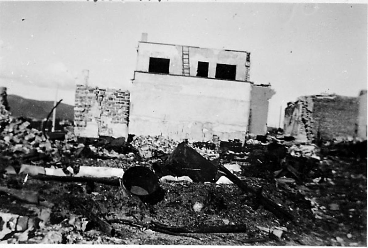 Ruin av bygning. Bodø etter bombingen under 2. verdenskrig.
