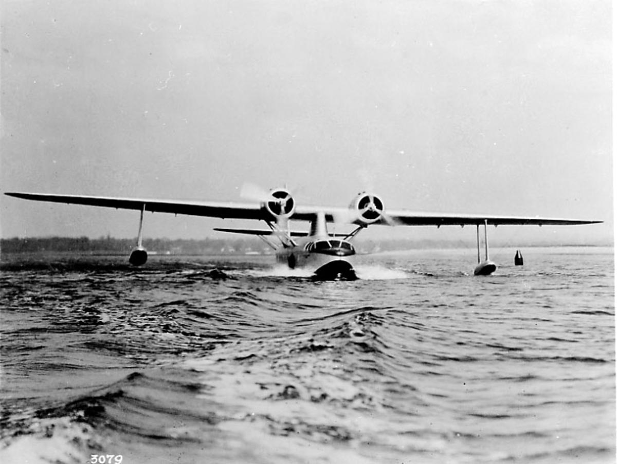 1 fly i sakte fart på havet, Sikorsky S-43