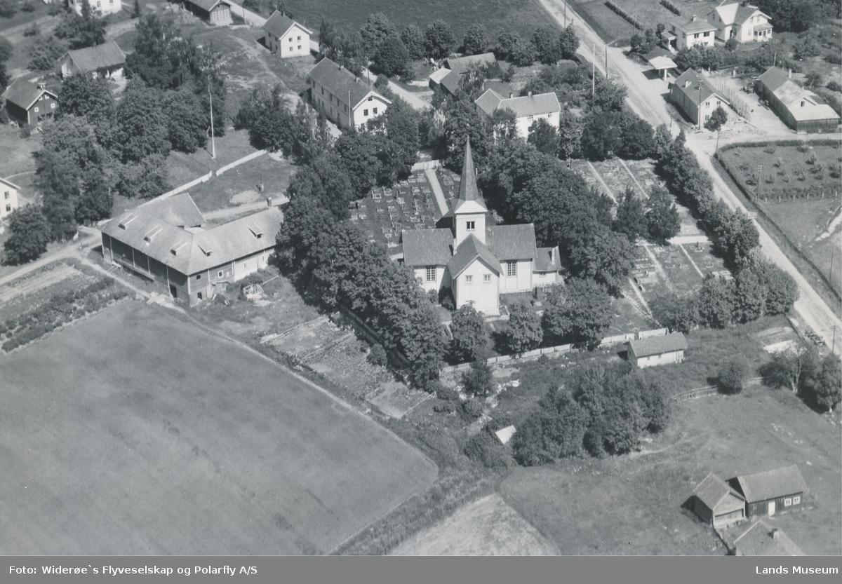 Flyfoto Hov kirke