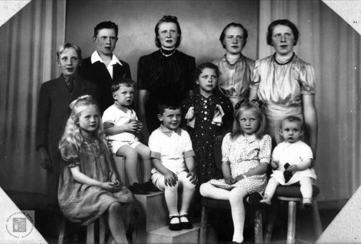 Barnegruppe Fam Fra Manneråk Historiske Foto Marnardal Og