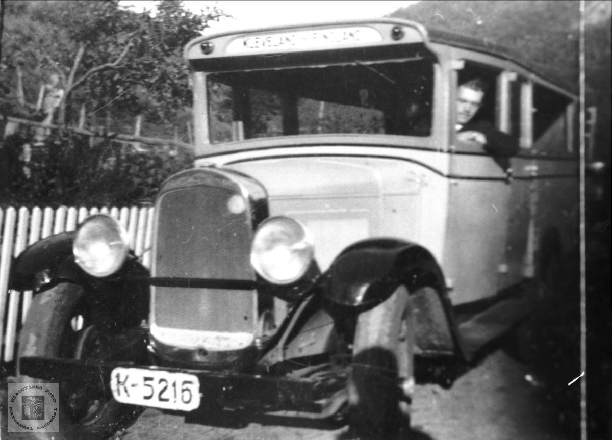 Gammel buss. Klevelandsruta.