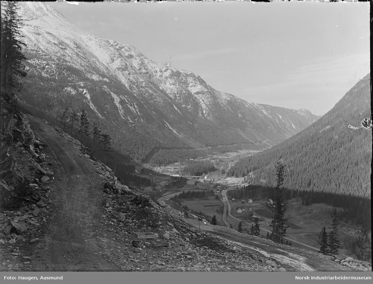 Utsikt mot Rjukan, Dal kirke, Mår utbygging