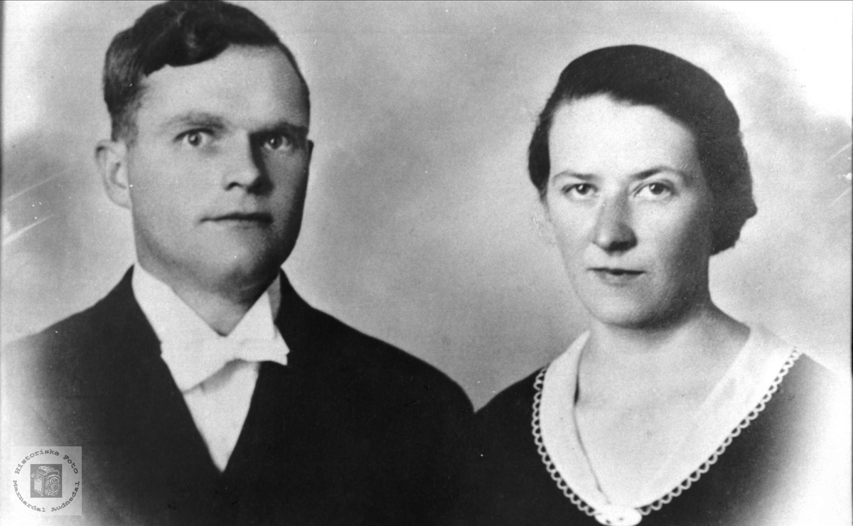Portrett. Jon og Agnes Kleveland.