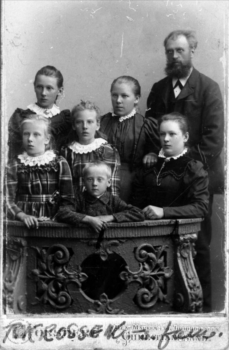 Familiegruppe Krossen, Øyslebø.