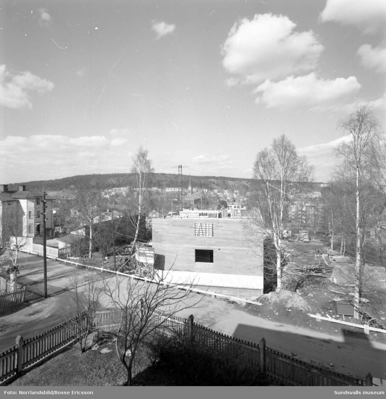 Byggnation av flerfamiljshus i kvarteret Albäcken på Södermalm mellan Bergsgatan och Nygatan.