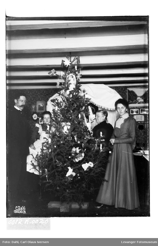Jul hos familien Hutchinson