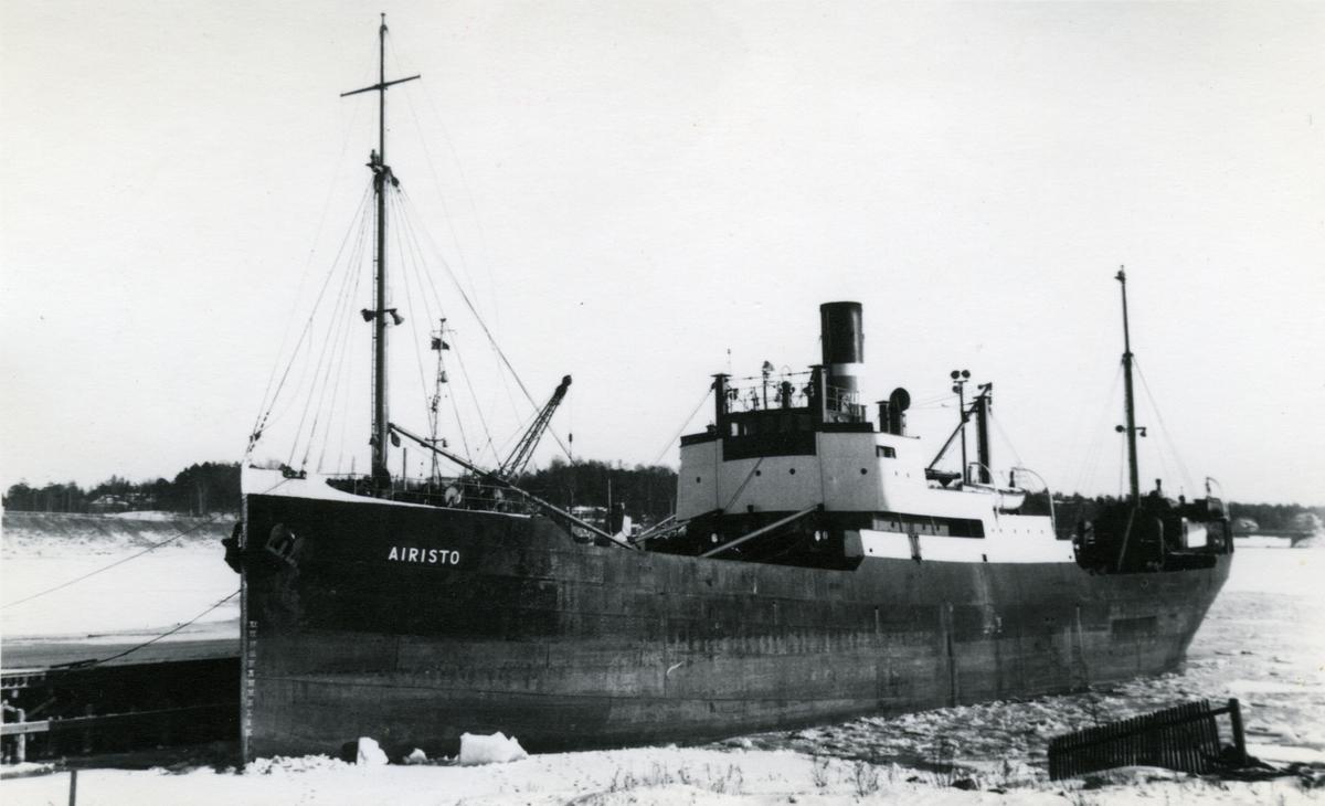 Ägare:/1947-63/: Airiston Laiva O/Y. Hemort: Åbo, /1963-66/: O/Y Shipping Lines Ltd. AB. Hemort: Nådendal.