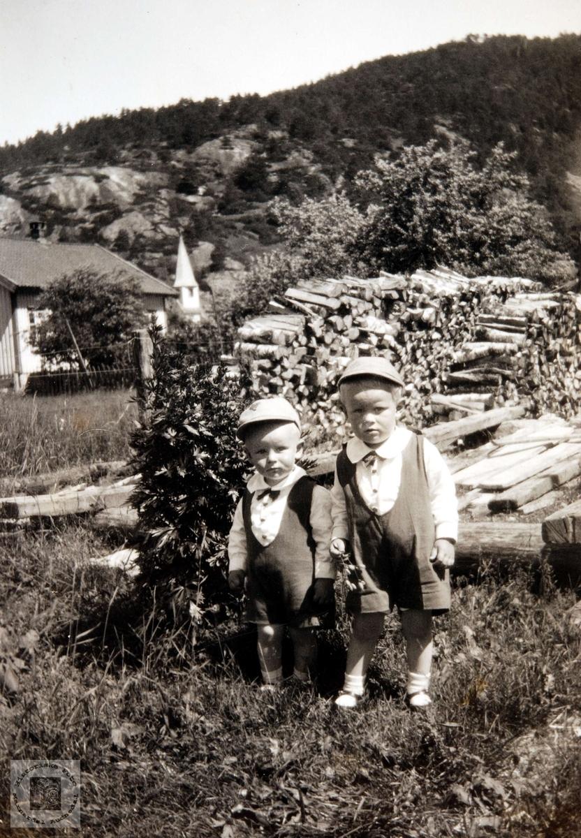 To småkarar fra Birkeland i Konsmo.