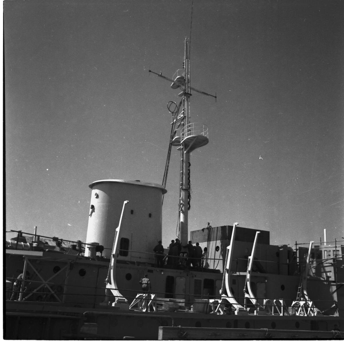 Fartyg: THULE                           Övrigt: Isbrytaren Thule, montering av mast.
