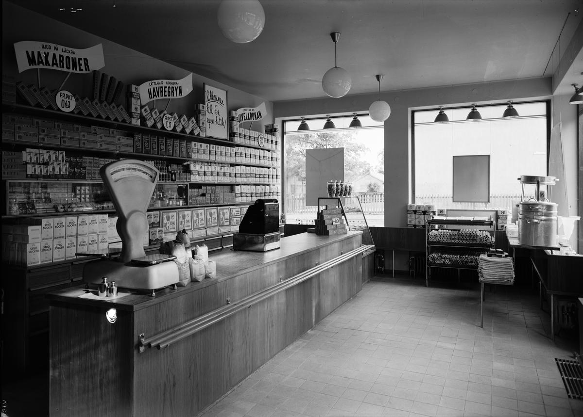 Livsmedelsaffär, sannolikt i Uppsala, 1944
