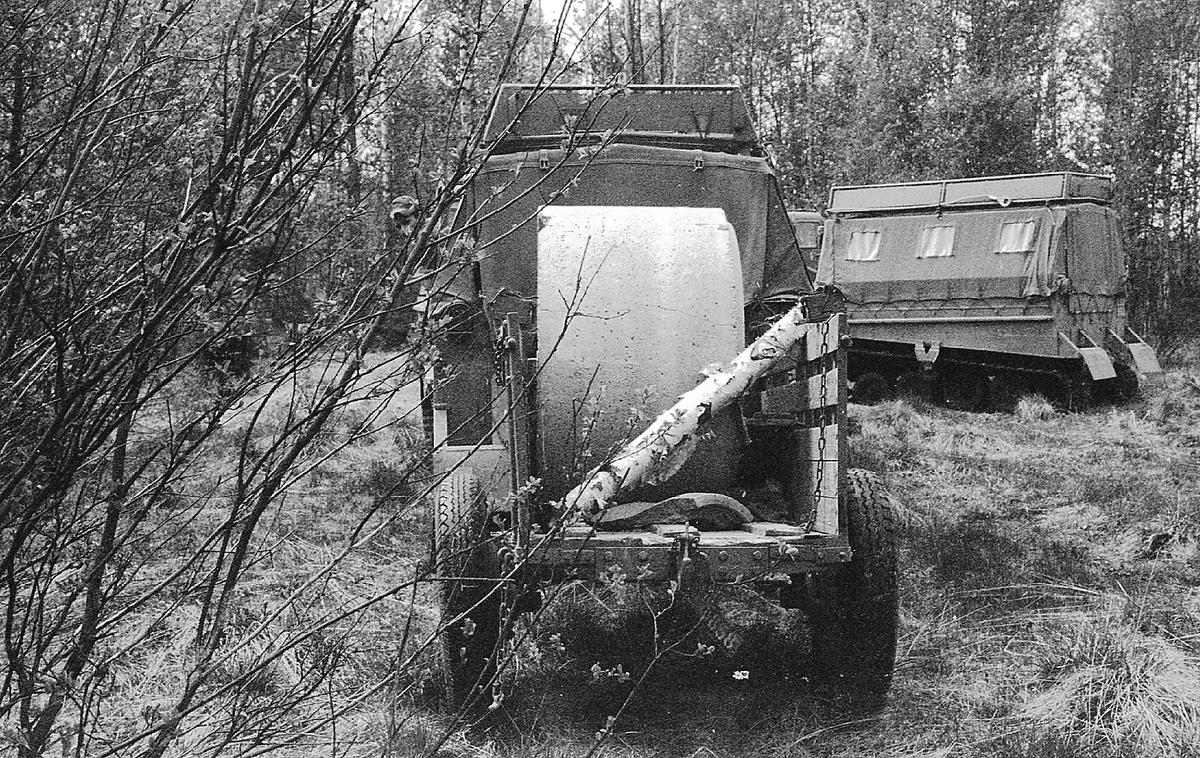 Transport av betongringar vid I 21 Västernorrlands Regemente, Sollefteå.