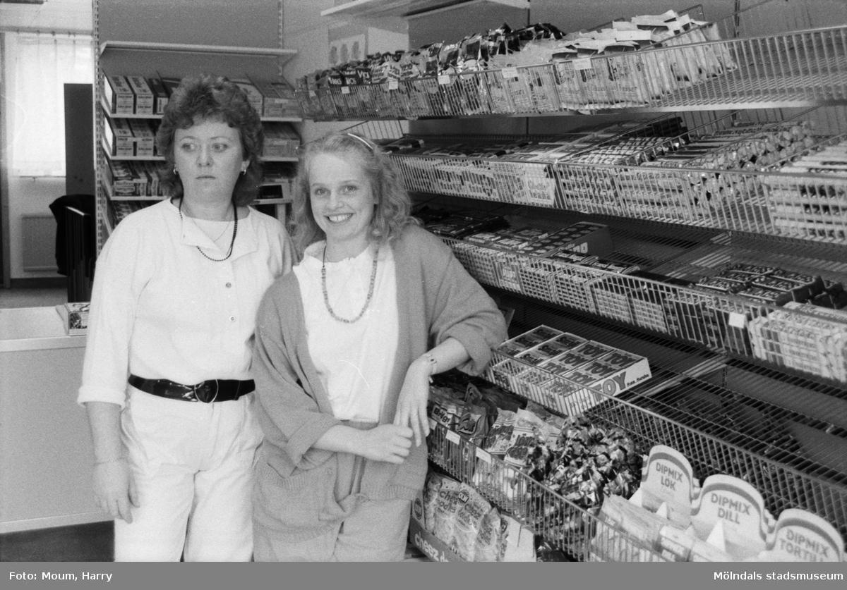 """Nya godisaffären """"Bubblan"""" i Kållereds centrum, år 1985.  För mer information om bilden se under tilläggsinformation."""