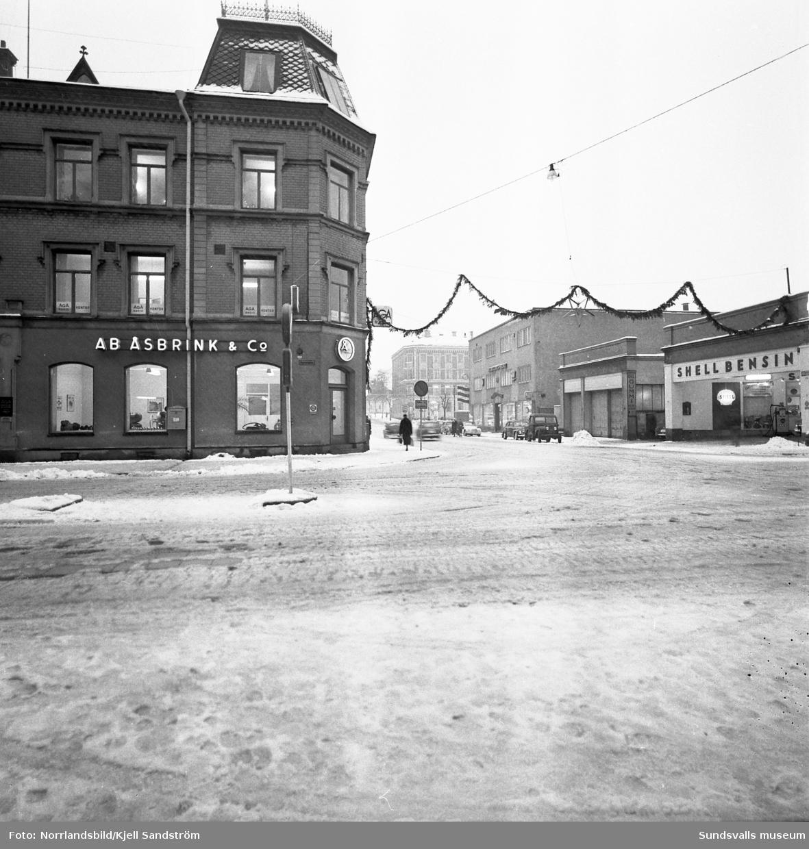 Exteriörbild av byggnaden Köpmangatan 5, i korsningen med Nybrogatan.