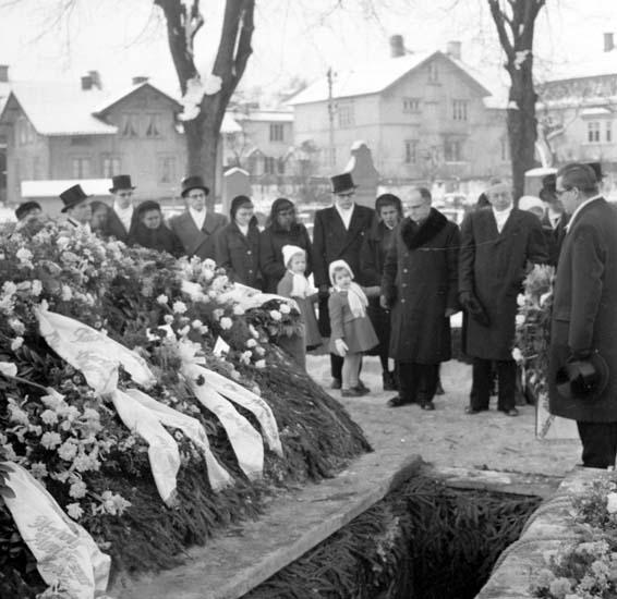 """Enligt notering: """"Carl Törnqvists begravning 15/1 -59""""."""