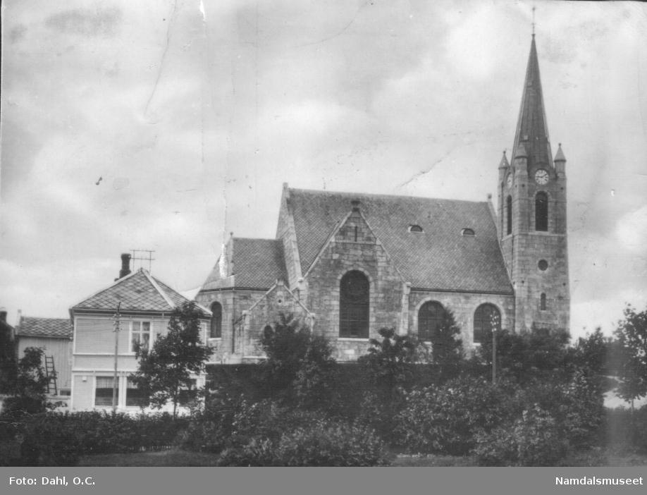 Namsos sentrum, kirkehaugen. Namsos kirke før krigen. Bombet 20.april 1940.