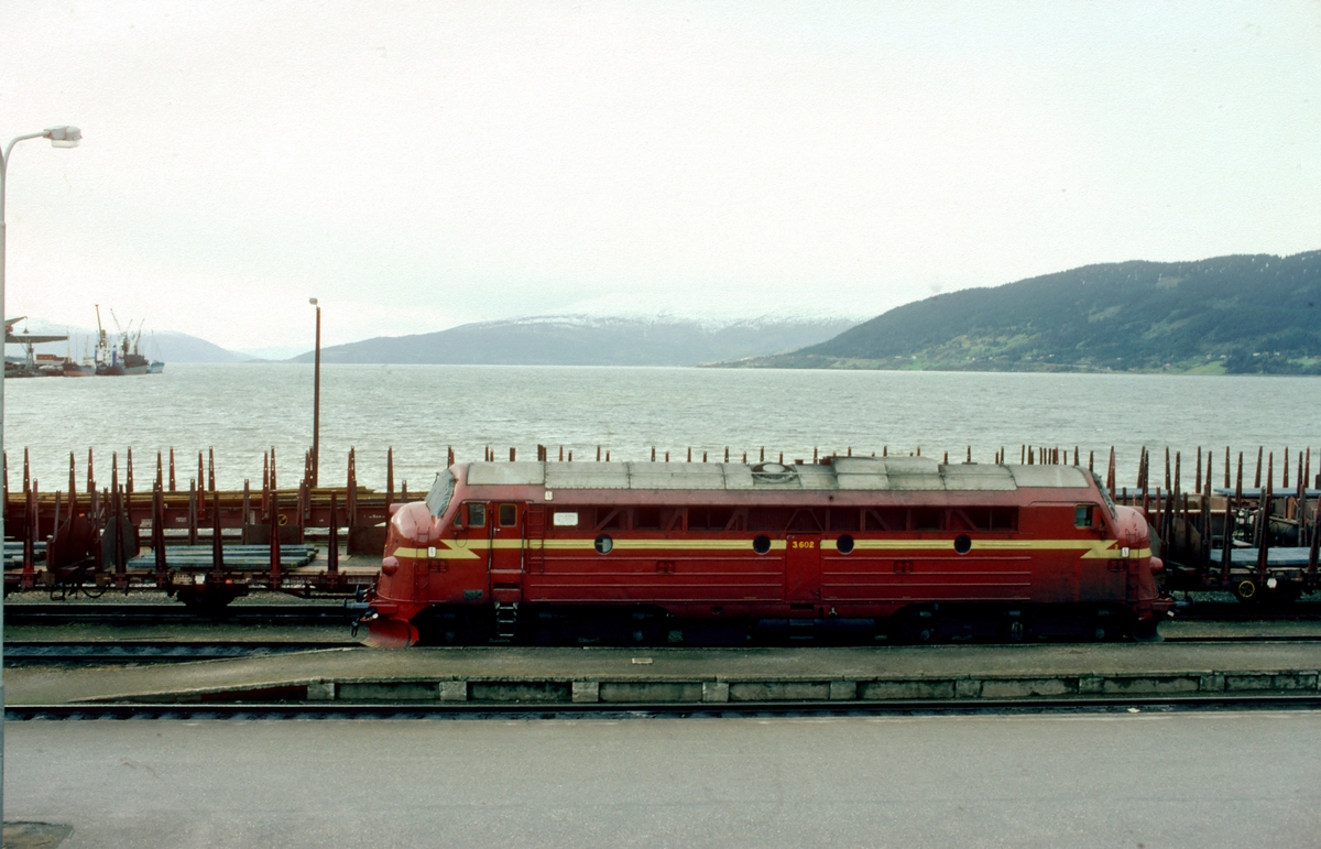 NSB dieselelektrisk lokomotiv Di 3 602, byggenr 2246 fra NOHAB, i Mo i Rana.