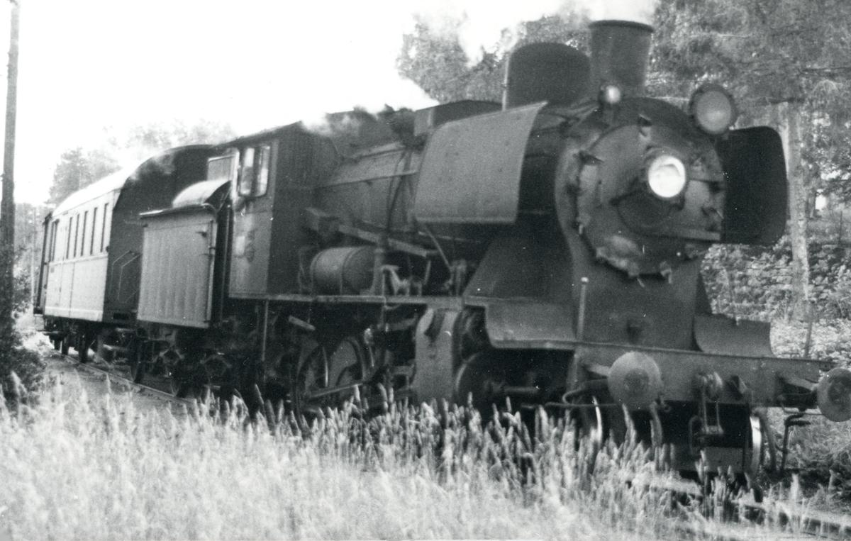 Godstog på Skreiabanen trukket av damplok 24b nr. 264.
