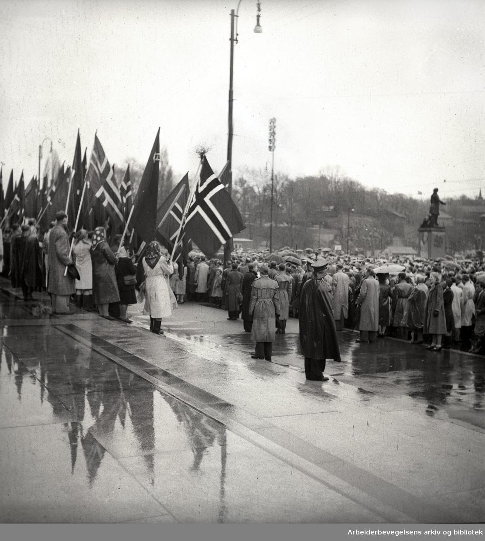 1. mai 1948, Rådhusplassen.