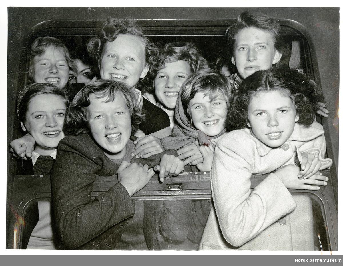 Glade klassevenninner ved framhaldsskolen i Stavanger