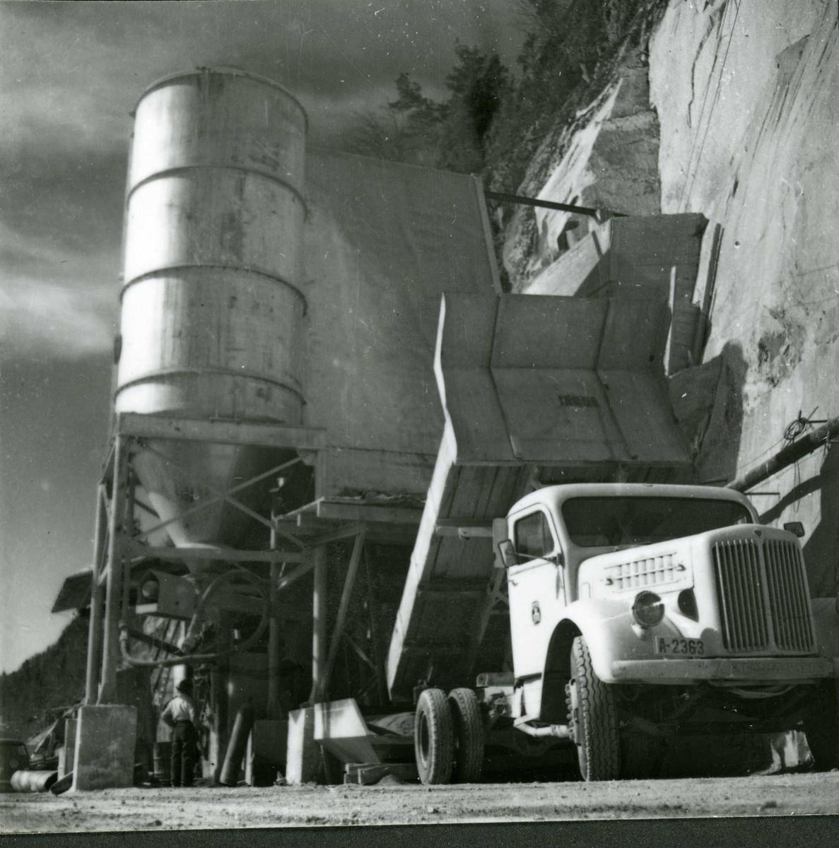 Dalen 14, betong, mai 58