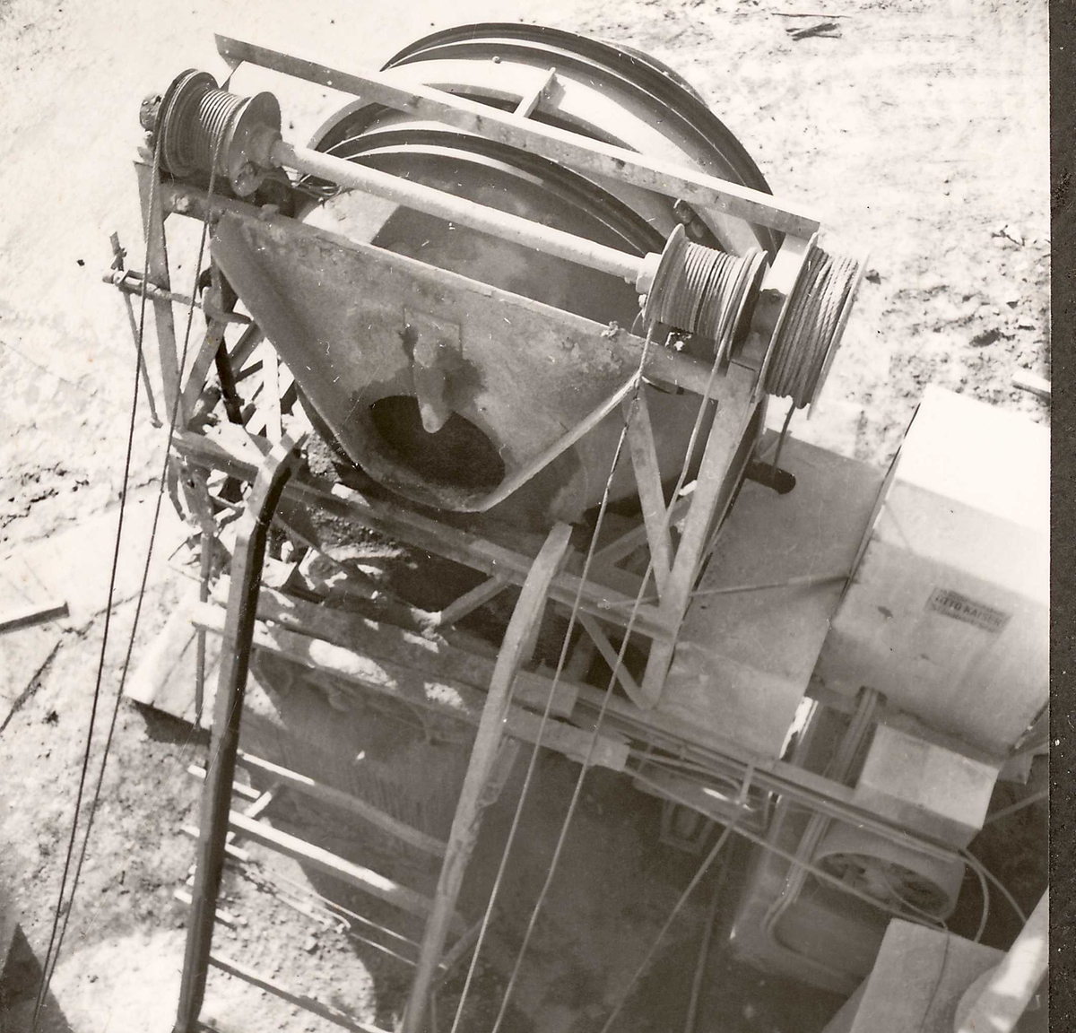 Dalen,betong 30, mai 58
