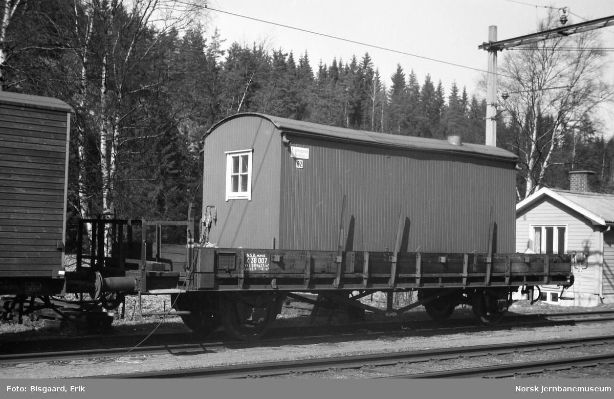Internvogn litra X nr 38007, tidligere litra N, på Såner stasjon