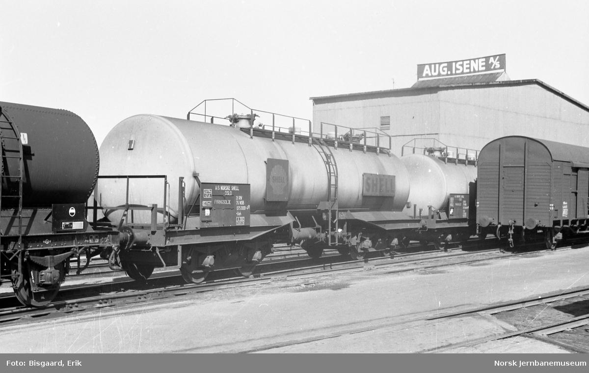 SHELL-tankvogn litra Uah nr. 075 0001 på Sørenga