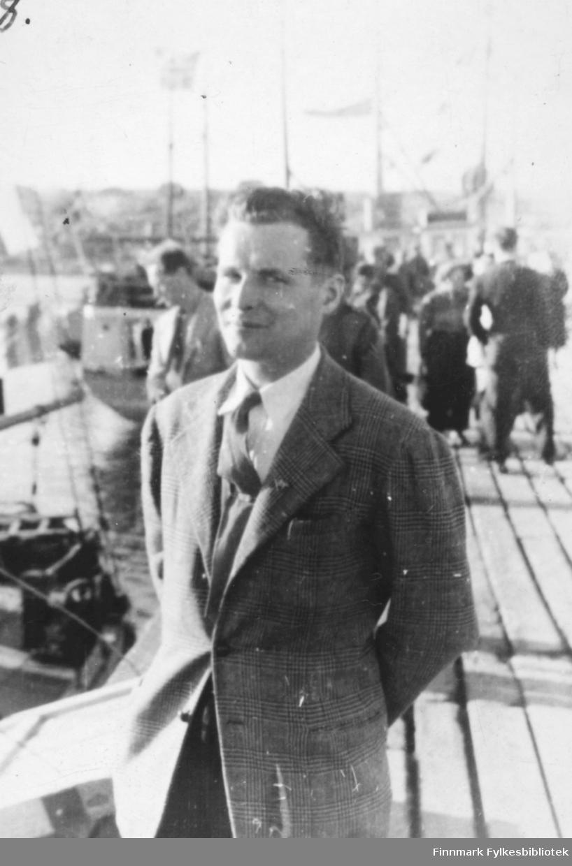 Bildet viser: Fra kronprins Olav's besøk sommeren 1945.