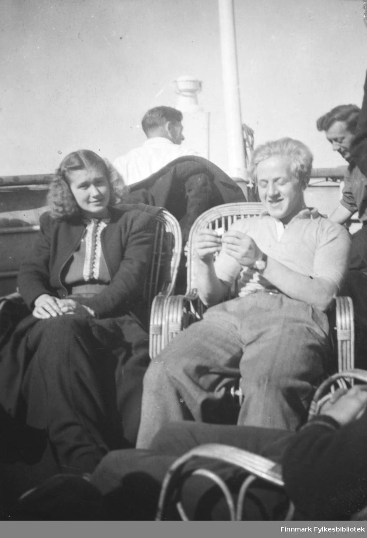 Olga Elisabeth Hoftaniska g. Wille og Arne hansen ombord i K.Håkon
