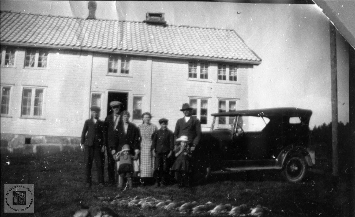 Besøk av slekt med bil.