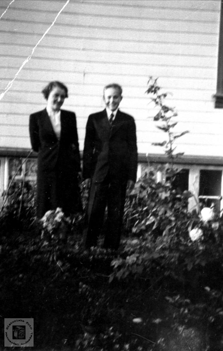 Søskenpar. Astrid og Knut O. Lauvdal.