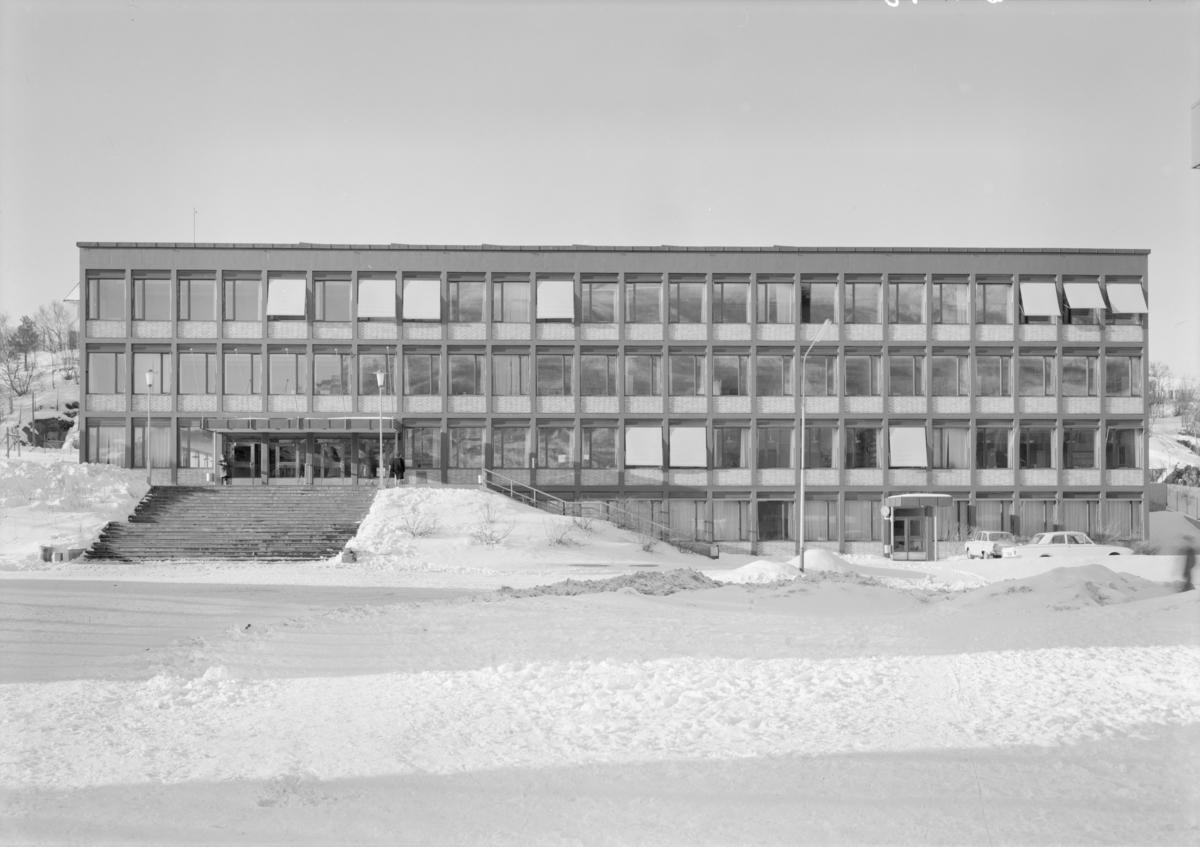Arkitekturfoto av forretningsbygg i Narvik.
