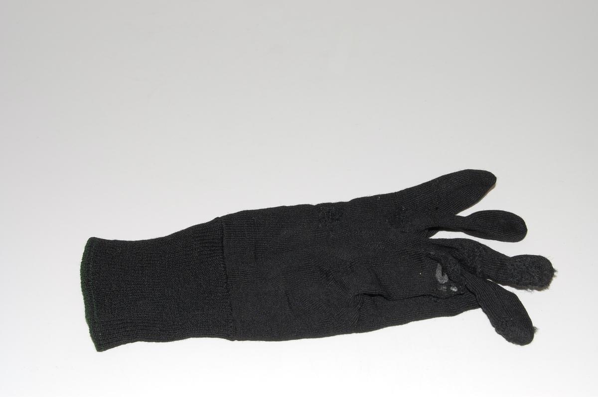Form: håndformede, dobbel vrangbord
