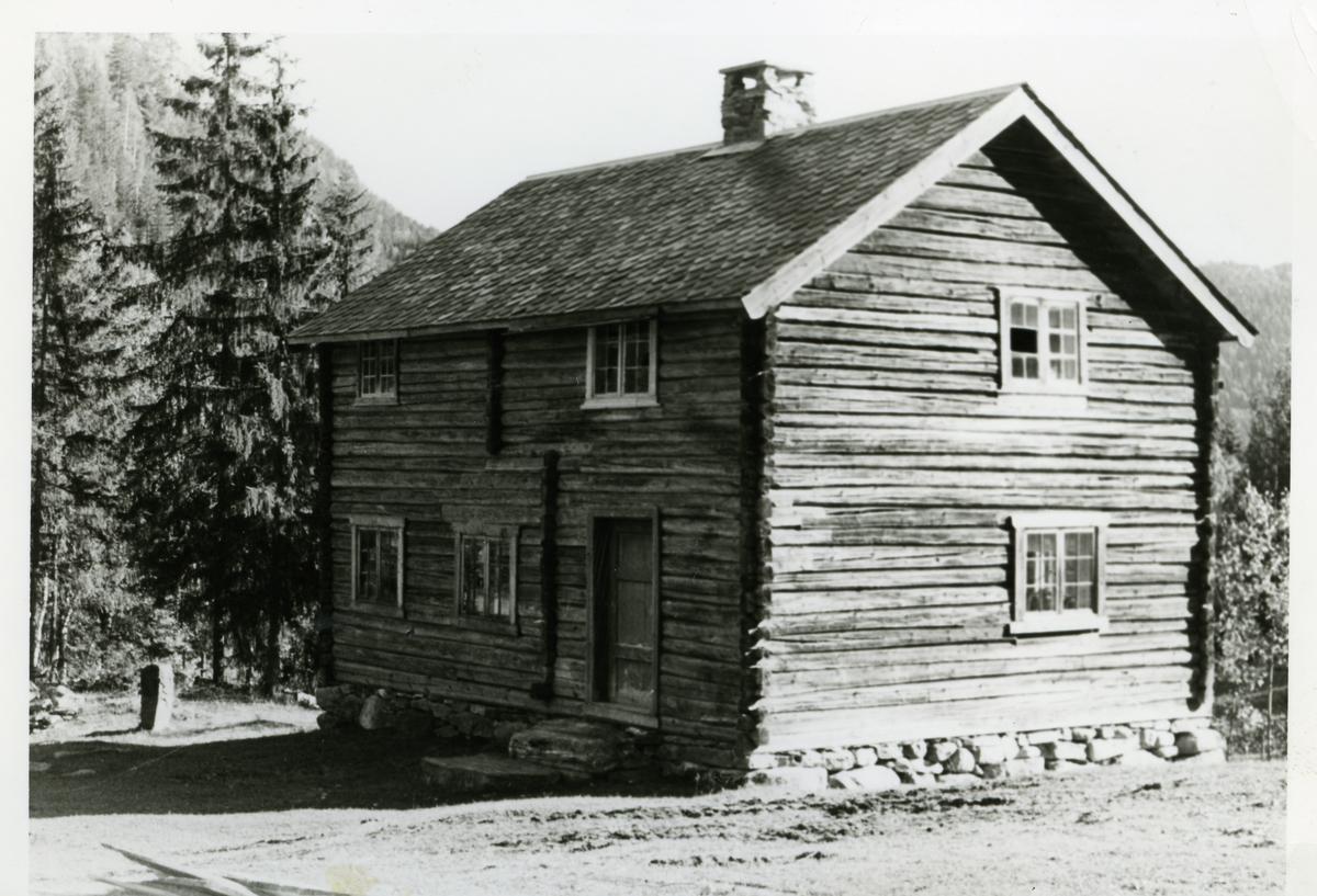 Tømmerbygning med skifertak. Bagn bygdesamling, Sør-Aurdal