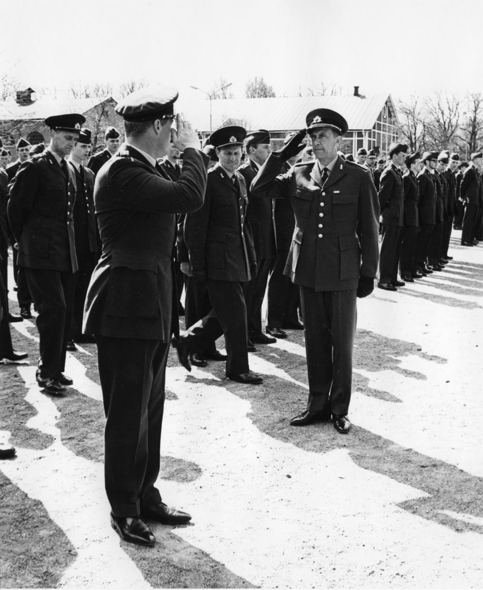 Inspektion, A 6. Regementschefens mottagning av årets vpl.