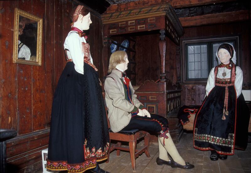 Folk og klede (Foto/Photo)