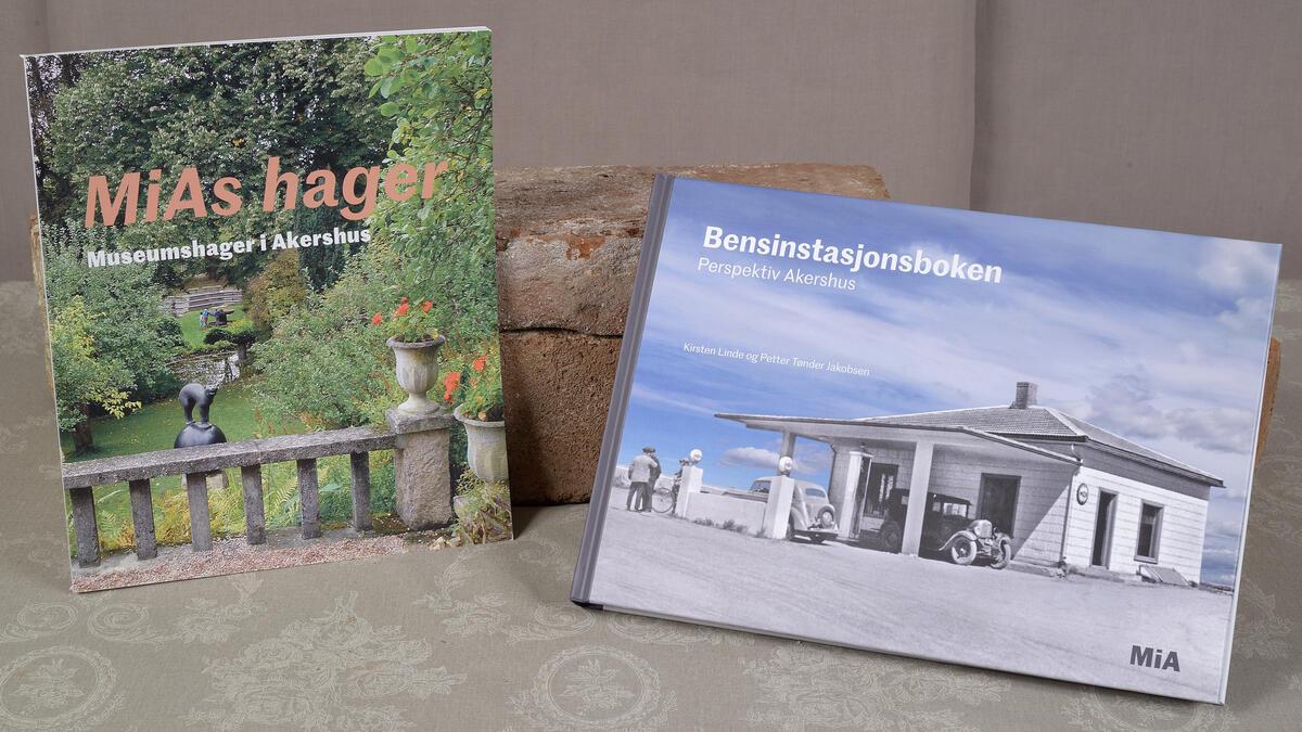 MiAs hager kr. 75,- og Bensinstasjonsboken kr. 250,- (Foto/Photo)