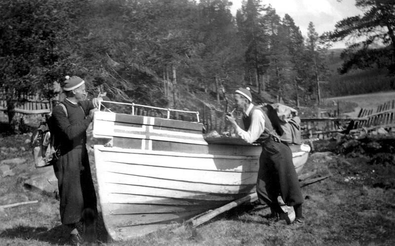 Rutebåt som gikk på Atnasjøen, Stor-Elvdal, ca. 1930. Foto: Stor-Elvdal Historielag/Anno Glomdalsmuseet. (Foto/Photo)